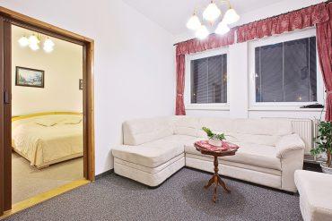 izba-noc_hotel-ferum_HDR-02