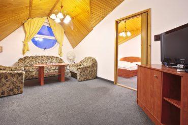 izba-noc_hotel-ferum_HDR-03